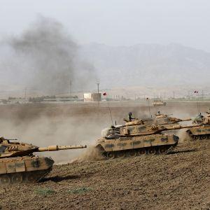 Turkiet höll en stor militärövning vid gränsen till irakiska Kurdistan samtidigt som kurderna röstade om självständighet