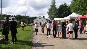 Besökare på en festival.