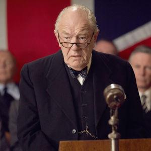 Brittiläinen draamaelokuva kertoo Winston Churchillin elämästä sairauskohtaluksen jälkeen.