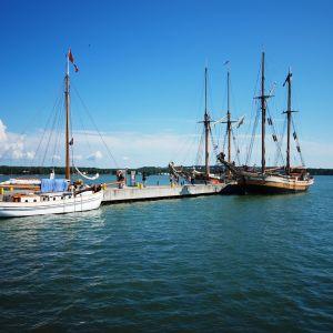Albanus ligger förtöjd i Mariehamn