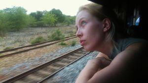 Miranda junan ikkunassa
