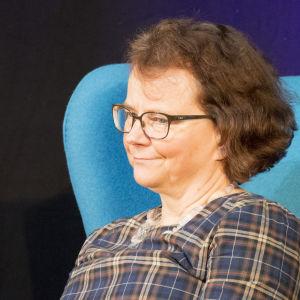 Kirjailija Laura Kolbe