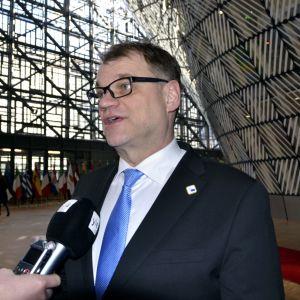 Statsminister Juha Sipilä vid presskonferens i Bryssel