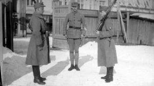 Carl Rudolf Gardberg på skyddskårsövning