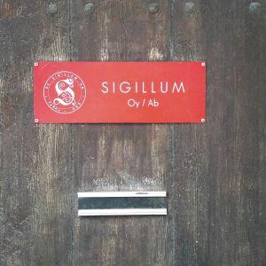 Dörren till Sigillums kontor.
