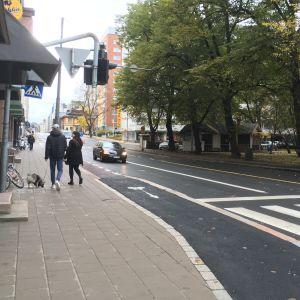 Cykelfilen övergår till cykelväg vid Humlegårdsgatans och Bangårdsgatans hörn.