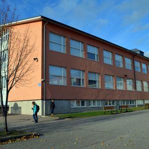 Kvarnbackens skola i Borgå utifrån