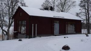 Konstnärsateljén utifrån, Vill Snäcksund, Ekenäs, vinter