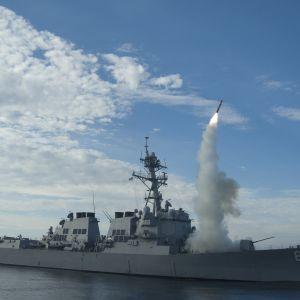 Den amerikanska flottan tränade med kryssningsmissiler i Medelhavet 2010.