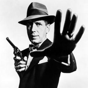 Humphrey Bogart elokuvassa Puuttuva rengas (The Enforcer)