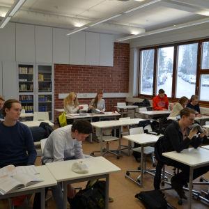 Spanskalektion i Brändö gymnasium.