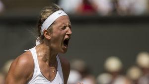 Victoria Azarenka skriker.