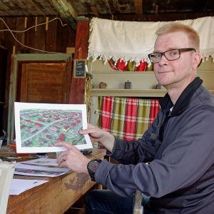 Jari Vesanen  hoppas på stort intresse för traditionsbyn i Tallmo.