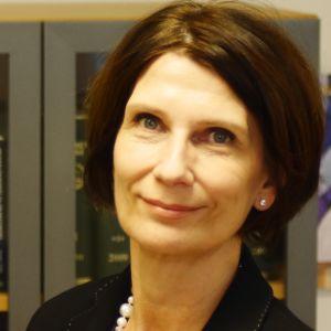 Tiina Rintamäki-Ovaska on holhoustoimen päällikkö Uudenmaan maistraatissa.