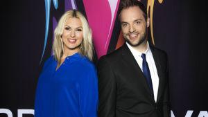 Sanna Nielsen och  Robin Paulsson är programledare för Melodifestivalen 2014