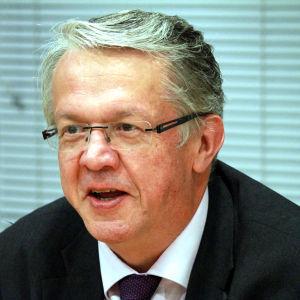 Familje- och omsorgsminister Juha Rehula
