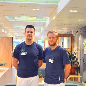 Röntgenskötare Emil Strandback och Robin Nordlund på Vasa centralsjukhus.