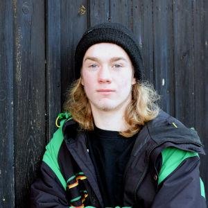 Porträttbild på Milton Holmqvist.