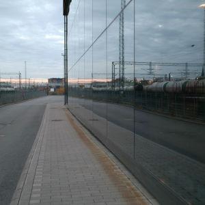 Tågvagnar utanför Logomo i Åbo