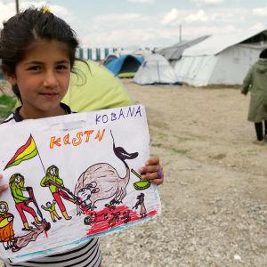 Syyriasta Isisin terroria paennut tyttö piirsi kuvan näkemästään.