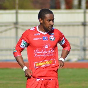 Jamar Dixon spelade ligafotboll i Jakobstad sommaren 2016.
