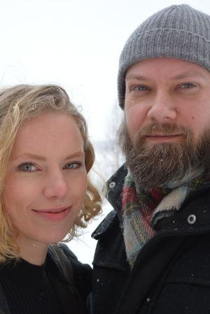 Jenny Lindholm och Joachim Högväg jobbar på Åbo Akademi i Vasa men bor i Korsnäs.