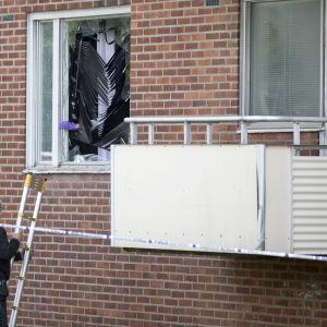 Granatattack mot lägenhet i Malmö. Ett barn dödades.
