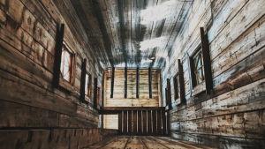 Sisäkuva palotornista, korkea vanha puurakennus, kuvattu Varjakansaaren vanhassa sahakylässä.