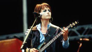 Dolores O'Riordan från the Cranberries, live år 2000.
