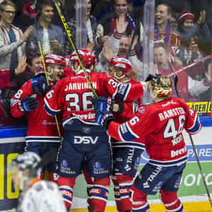 HIFK firar efter mål mot Tappara