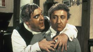 Zero Mostel ja Gene Wilder pääosisssa Mel Brooksin elokuvassa Kevät koittaa Hitlerille (The Producers, 1968).