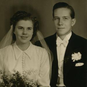 Taru Mäkelän vanhemmat Terttu Maija (os. Auttila) ja  Tuukka Mäkelä Tampereella 1949.
