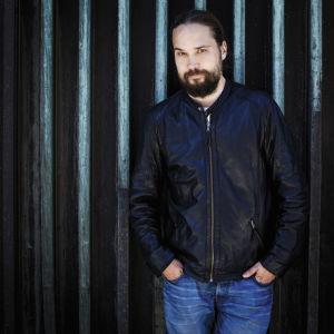 Kirjailija ja dramaturgi Jukka Viikilä