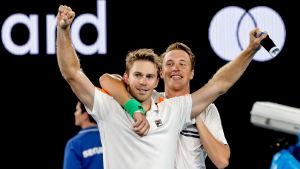 John Peers och Henri Kontinen spelar tennis tillsammans,