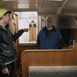 Kasper Strömman och Hans Groop i en H-båt.