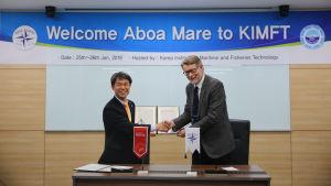 President Byoung-Gyu Seo vid KIMFT och platschef Per-Olof Karlsson vid Aboa Mare.
