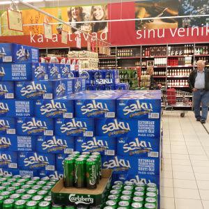 Alkoholhaltiga drycker i affär i Tallinn.