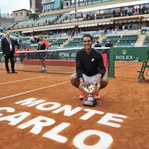 Rafael Nadal med pokalen
