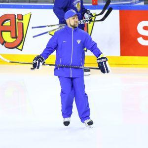 Mikko Manner på isen