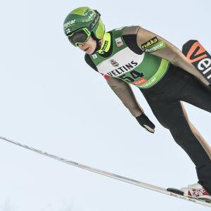 Eero Hirvonen håller på med nordisk kombination.