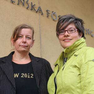 Mia Bäck och Anna Edgren vid Aurelia i Åbo.