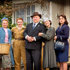 Rose (Katie Redford), Daisy (Katherine Pearce), Daddy (Mark Addy), Hyacinth (Kerry Howard), Violet (Tamla Kari)