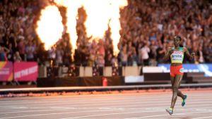 Almaz Ayana vinner 10000 meter, VM 2017.