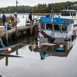 Räddningsverket vid sjunken båt