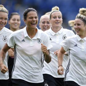Glada miner i det tyska landslaget.