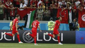 Harry Kane och England firar