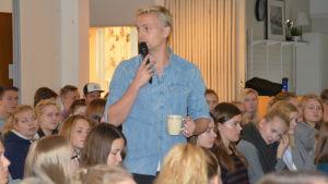 Janne Grönroos i Ekenäs gymnasium.