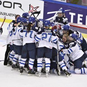 Finlands damlandslag får mindre bonus för VM-medaljer än herrarna.