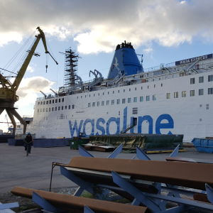 Wasa Express vid kajen i Tallinn efter service oktober 2016.