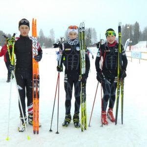 Jesper Lietzen (2:a), Alexander Ståhlberg (1:a) och Oliver Rusk (3:a) medaljörer i H14 sprinten.